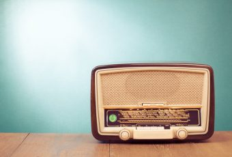 Apprendre l'anglais grâce à la radio